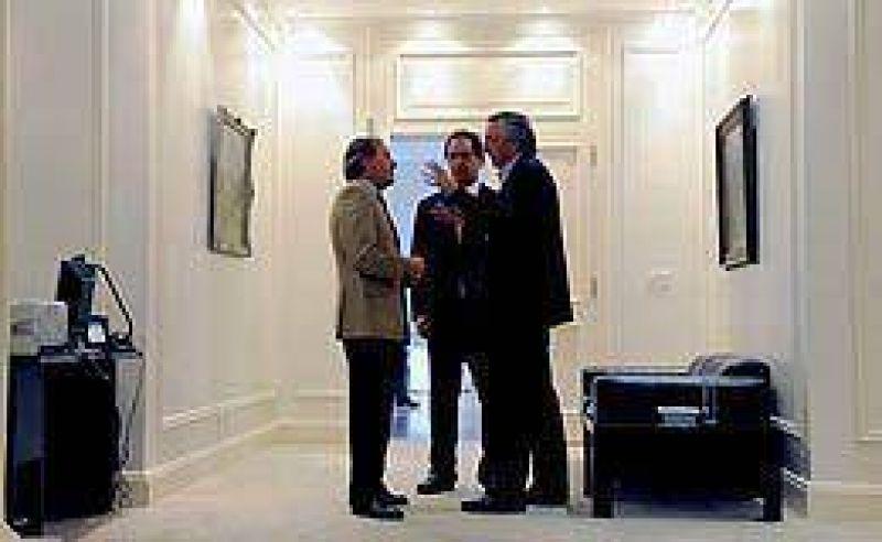 Scioli no asumir� su banca y Kirchner deja la presidencia del PJ
