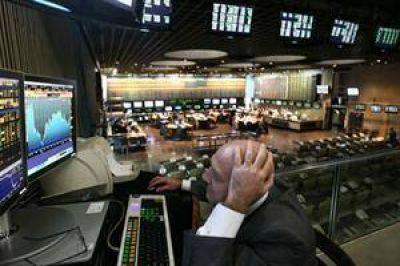 Por especulación y miedo al default, los bonos rinden hasta 23% en dólares