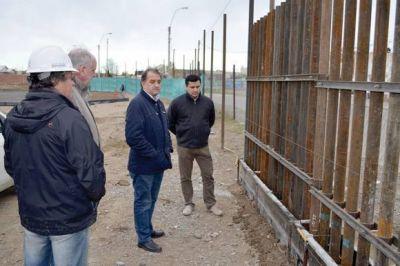 Linares recorrió en KM 5 la Urbanización que ejecuta Petroleros Jerárquicos