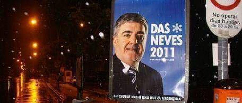 Das Neves ya tenía preparados los carteles