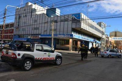 Presunta amenaza de bomba en el Banco Santa Cruz