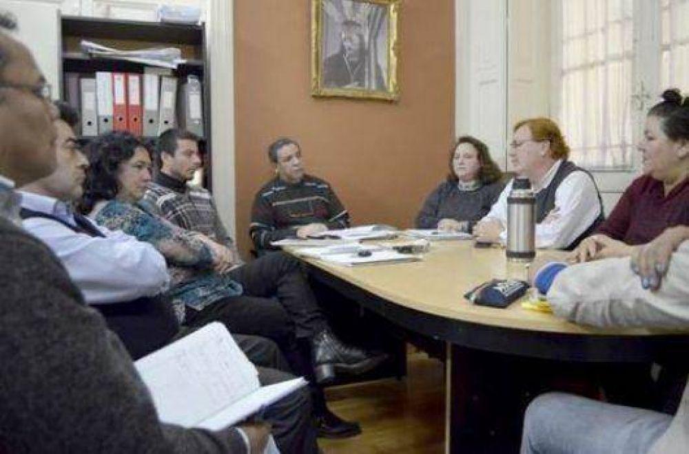 Gremio municipal va por un nuevo aumento salarial