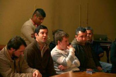 La juventud Peronista presentes en el encuentro seccional de la JP de Buenos Aires
