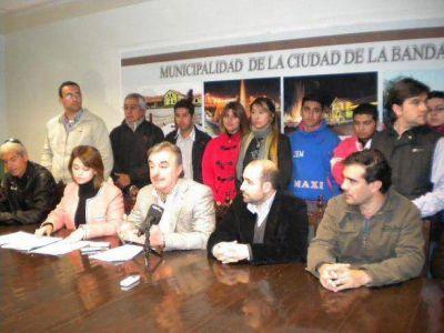 """Presentaron bases y condiciones para el concurso """"Show de las Camperas"""""""
