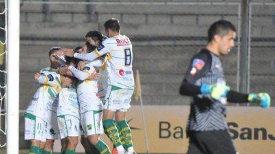 Godoy Cruz reaccionó, pero no pudo con Defensa en los penales