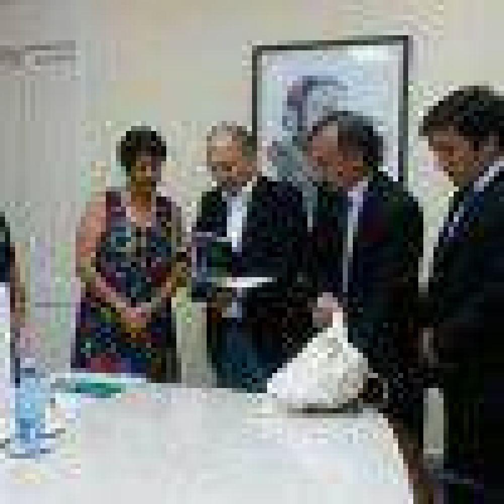 Cuba colaborará para fortalecer avances en alfabetización