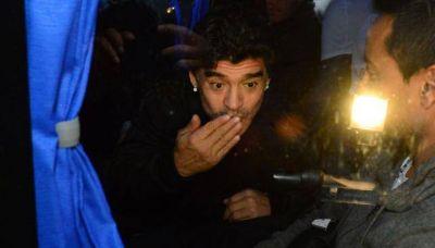 Maradona quiere a Menotti como t�cnico de la selecci�n