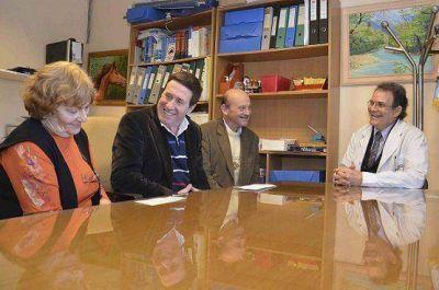 Dás Pérez hizo entrega de un subsidio por $150.000 al Hospital Oncológico