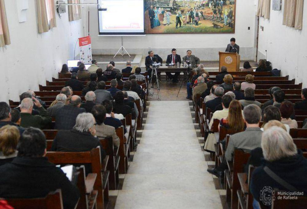 Agua: Maina y Ricotti en audiencia pública para rechazar la suba del 42%