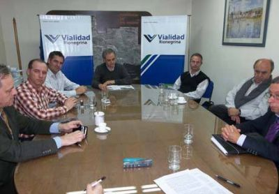 Vialidad Rionegrina firmó contratos con empresas por revisión técnica obligatoria