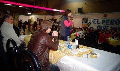 Mar�a Eugenia Vidal y Alex Campbell recordaron a Eva Per�n en Virreyes
