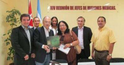 Bacileff se reunió con funcionarios de salud cubanos