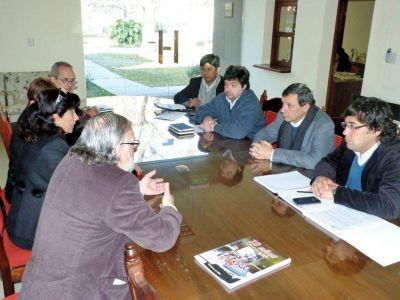 Reunión entre la UNJU y Adiunju por las paritarias docentes