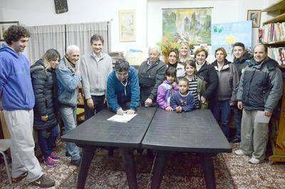 El intendente interino Ciano entregó nuevos subsidios