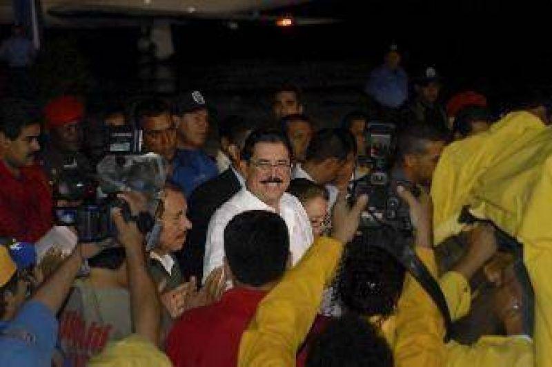Honduras: crece la tensión y Zelaya anuncia que vuelve para retomar el poder