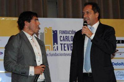 Daniel Scioli, tras la liberación del padre de Tevez: