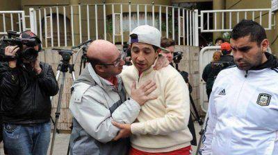 Los captores del padre de Tevez se molestaron por la difusión en los medios