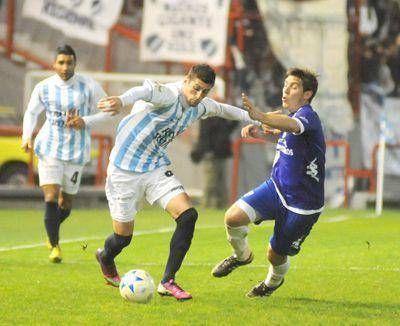 Alvarado debuta en Ramallo y Unión como local de Libertad