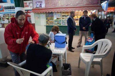 Ariel Ciano y Alejandro Cristaldi visitaron una de las Esquinas Saludables