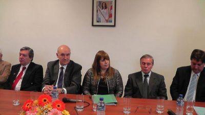 Autoridades provinciales firmaron acta para mejoras en salud y seguridad social