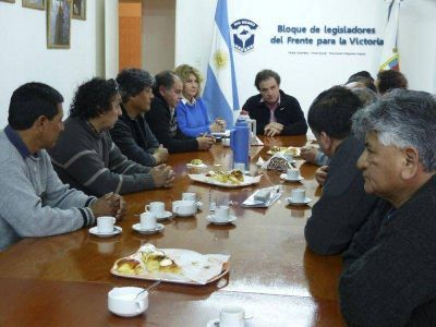 Pesatti recibió a trabajadores de Vialidad Rionegrina