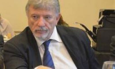UNDeC. El rector negó corrupción y 'dedocracia' en la universidad