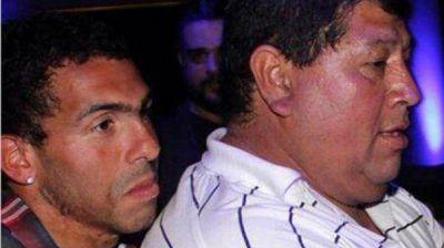 El padre de Tevez habría reconocido la voz de uno de sus secuestradores en la TV