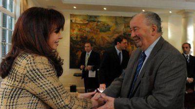 Cristina Kirchner fue a Ezeiza a despedir los restos de Julio Grondona