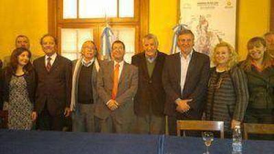 Firmaron el acuerdo por Veranadas 2014-2015