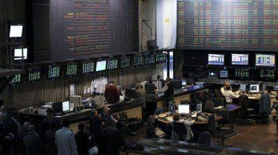 Se atenuó la caída de precios de los activos argentinos y la Bolsa porteña cerró en alza