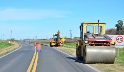 Obras de bacheo en la ruta nacional 188