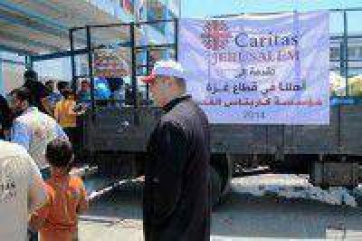 El cura argentino en Gaza agradeció al Gobierno