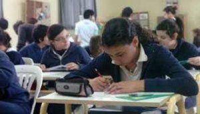 Preocupados por las deudas docentes, los gremios esperan reunirse con la ministra de Educación esta semana