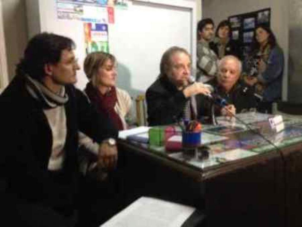 Udocba Trenque Lauquen se concentra en Plaza San Martín y reunión con periodistas