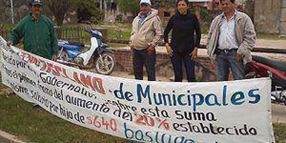 Delegados de ATE Municipal en Pirané continúan protesta