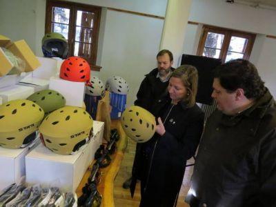 Jóvenes de distintos barrios comienzan a disfrutar del programa de Ski Social
