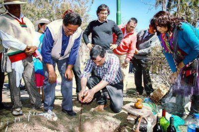 Ceremonia de la Pachamama en el Rectorado de la UNJu