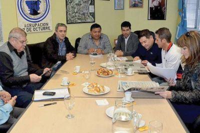 Jerárquicos petroleros se reunieron con Di Pierro para analizar obras y proyectos