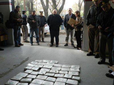 Quemaron 150 kilos de droga en General Pico