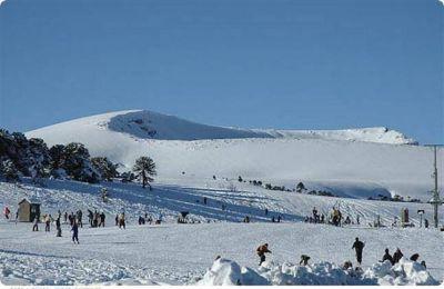 Nieve y nuevos precios en Villa Pehuenia y Batea Mahuida