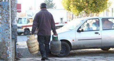 Vecinos se unen para exigir que se normalice el abastecimiento de gas