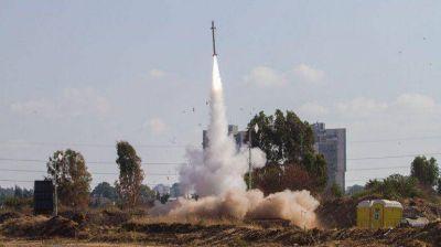 Tras romper la tregua, los palestinos lanzaron incesantes ataques con cohetes hacia Israel