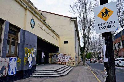 Evalúan declarar en emergencia edilicia al edificio de la EGB José Gervasio Artigas de San Fernando
