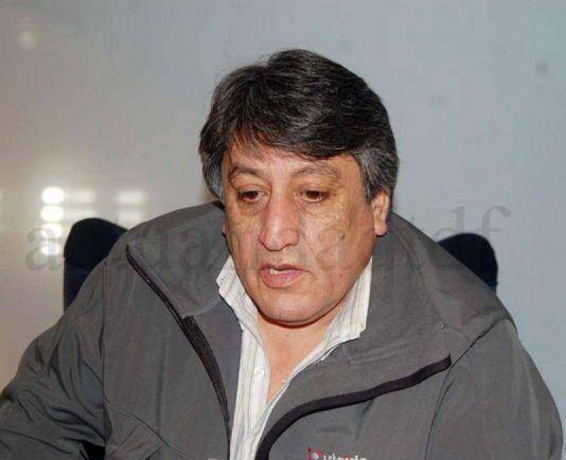 Claudio Queno rebajó un 15% el salario de sus funcionarios