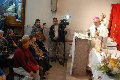 Miles de fieles honraron ayer a San Cayetano en el día de su festividad