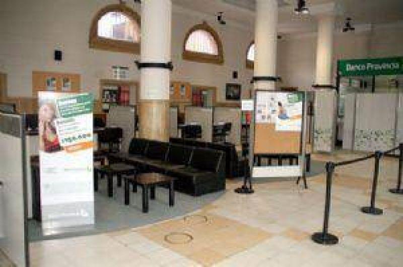 Alto nivel de acatamiento al paro en los bancos locales