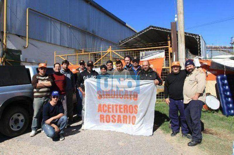 Trabajadores mantienen tomada la planta aceitera de Bajada Grande