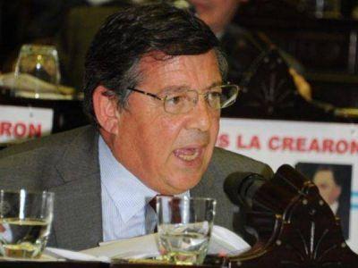 Con duras críticas a Tunessi, renunció el presidente del Comité Radical