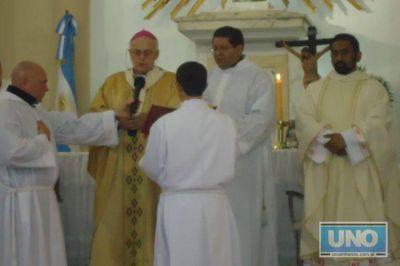 El padre Ignacio postergará su mudanza a la capital provincial
