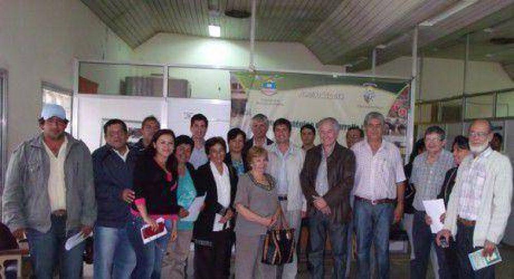 La FEF participo de la últimas entregas de créditos FONFIPRO a los comerciantes de Güemes